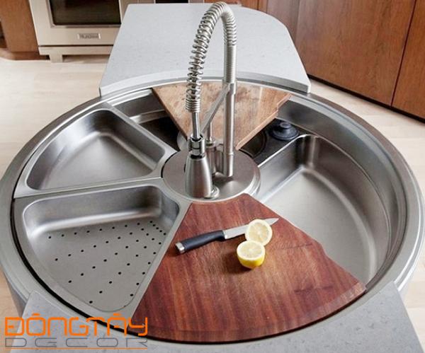 Bồn rửa đa năng hình tròn chia các ngăn rửa - để đồ chuyên dụng và cả chỗ để đặt thớt.
