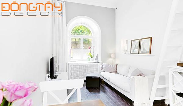"""Tông màu trắng gần như """"chiếm"""" toàn bộ căn phòng, làm không gian trở nên rộng hơn nhiều."""