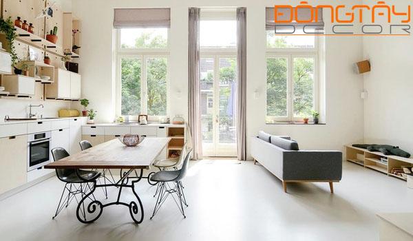 Nội thất đơn giản, không cầu kì, không gian liền kề thông thoáng khiến cho căn hộ tiết kiệm được tối đa diện tích.