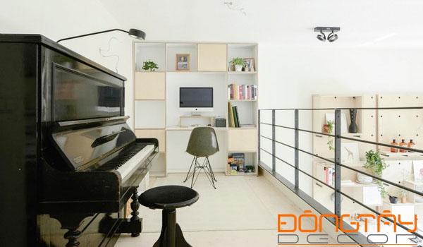 Gác lửng trên tầng sảnh trở thành không gian làm việc, thư giãn thoáng mát