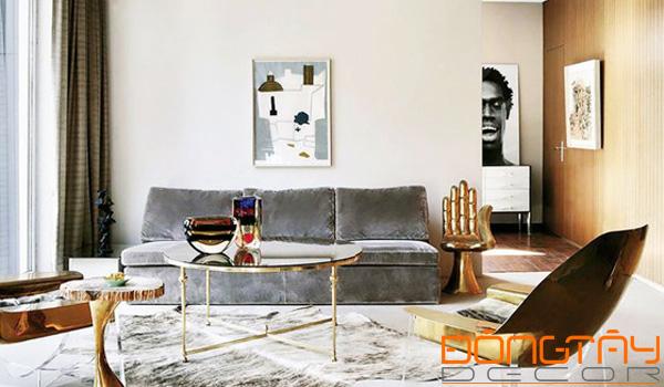 Chất liệu kim loại và ánh kim mang lại sự sang trọng và hiện đại cho ngôi nhà