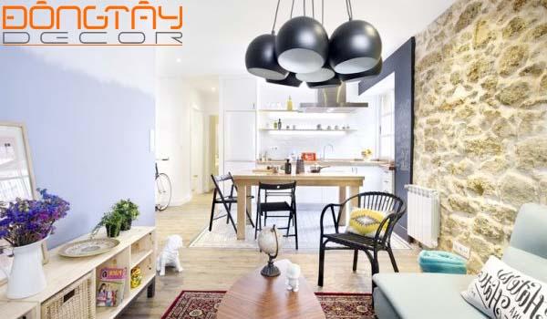 Phòng khách với nhiều chất liệu, màu sắc khác nhau nhưng vẫn tạo nên sự hài hòa - đặc trưng của phong cách Chiết Trung